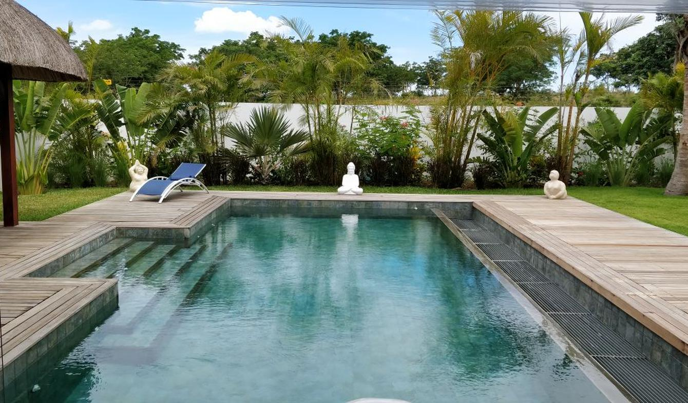 Villa with pool and garden Grand Baie