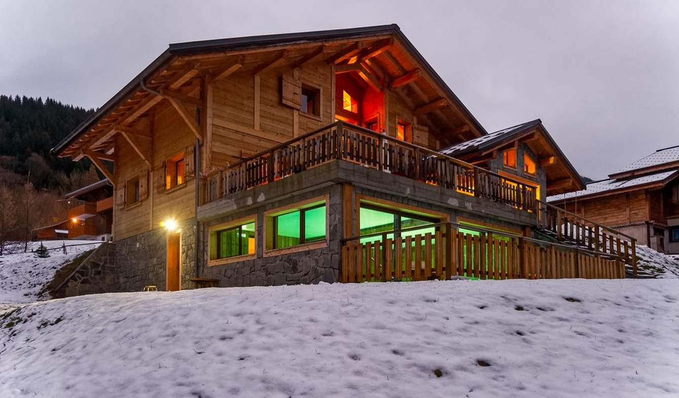 Chalet with pool Chatel