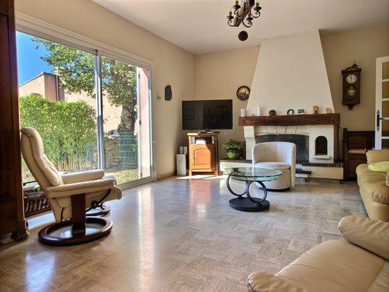 Location maison 5 pièces 150 m2