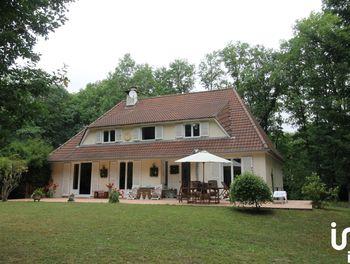 maison à Nogent-le-Roi (28)
