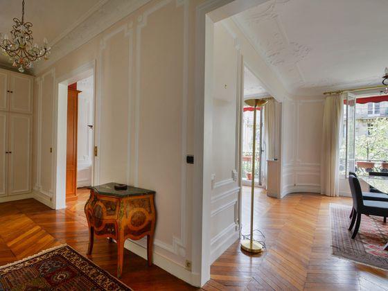 Location appartement 4 pièces 121 m2