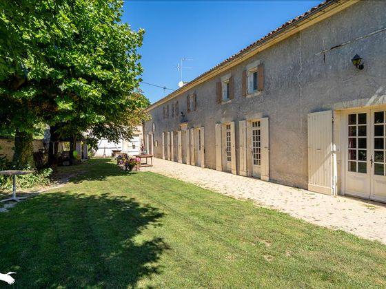 Vente maison 11 pièces 253 m2