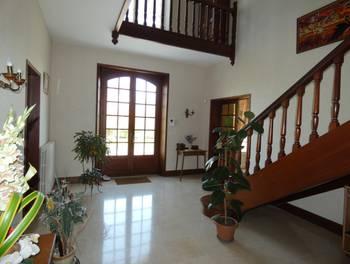 Maison 11 pièces 300 m2