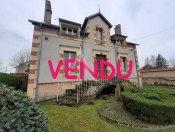 maison à La Guerche-sur-l'Aubois (18)