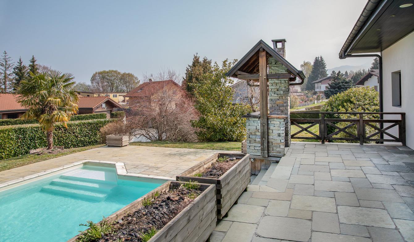 Maison avec piscine Neuvecelle