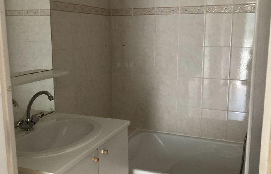 Location  appartement 3 pièces 56.08 m² à Peillon (06440), 820 €
