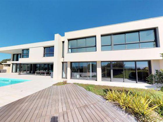 Vente maison 10 pièces 560 m2