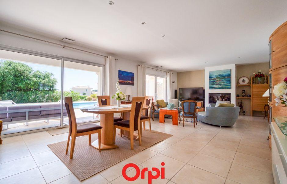 Vente maison 7 pièces 200 m² à Nimes (30000), 694 000 €