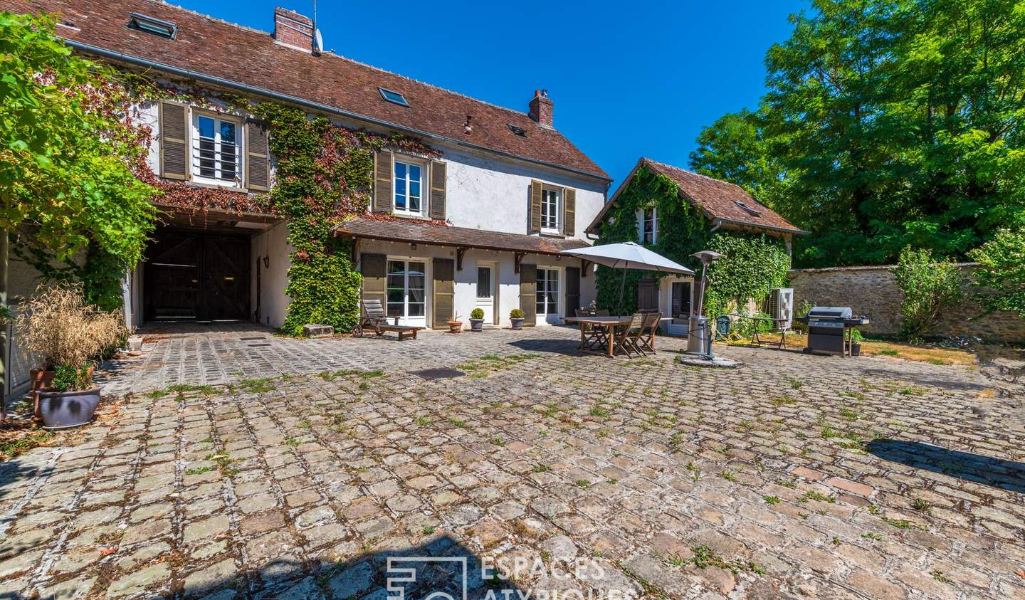 House with pool and terrace Lumigny-Nesles-Ormeaux