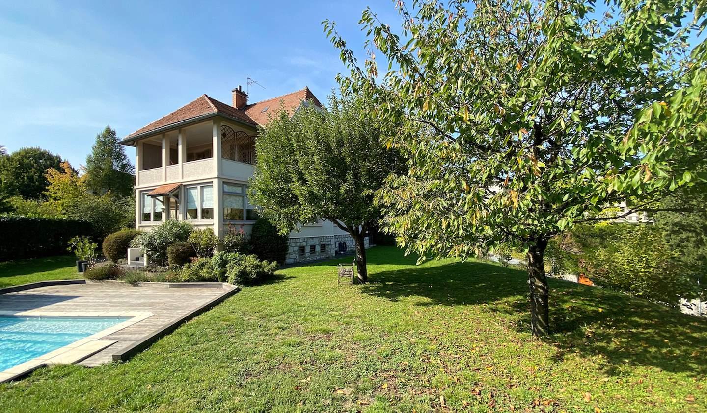 Maison avec piscine et jardin Chambery