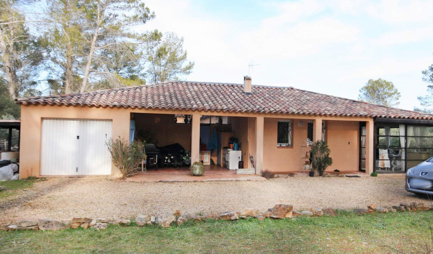 House with pool and terrace Cotignac
