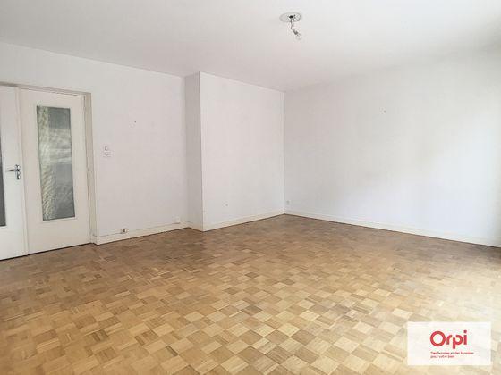 Location appartement 4 pièces 85 m2