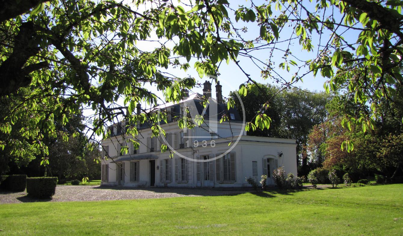 Château Etiolles
