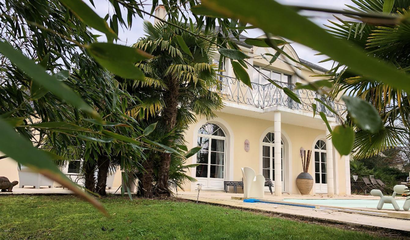 House with pool Saint-Cyr-sur-Loire