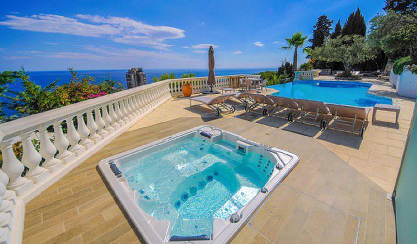 Appartement avec piscine Beausoleil