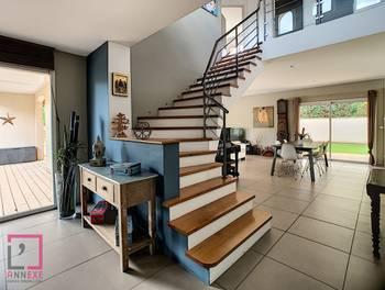 Maison 7 pièces 330 m2