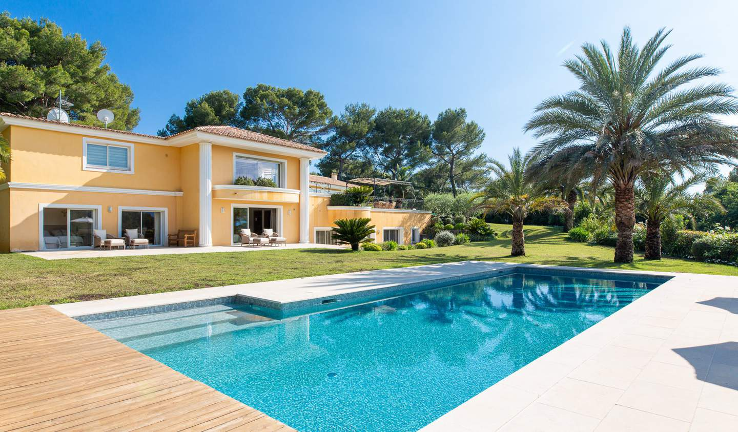 Property with pool Mougins