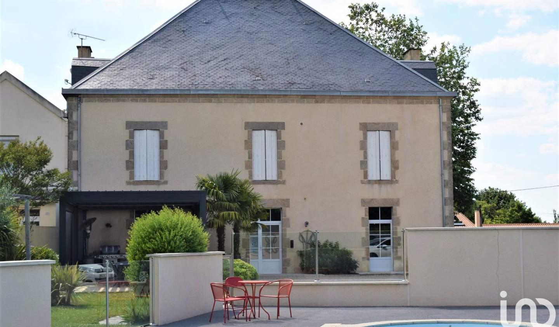 Maison avec piscine et terrasse Les Herbiers