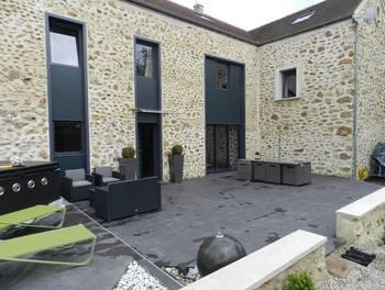 Maison meublée 9 pièces 250 m2