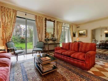 Appartement 9 pièces 323,45 m2