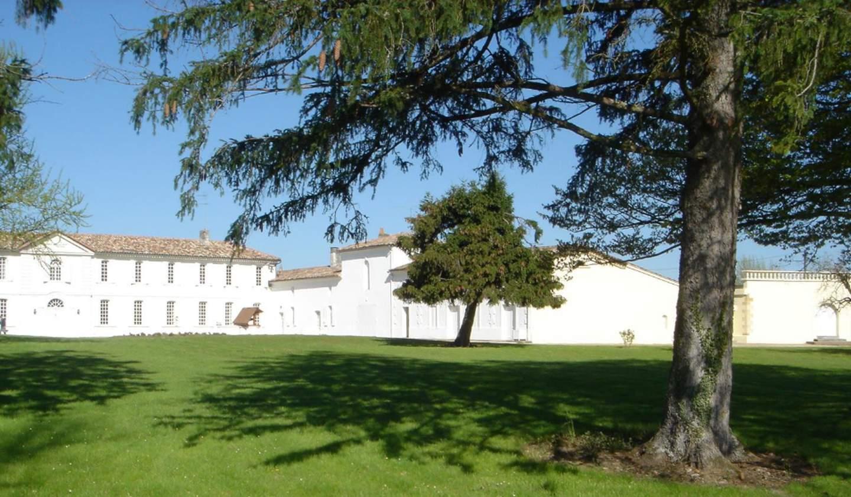 Propriété avec piscine Les Salles-de-Castillon
