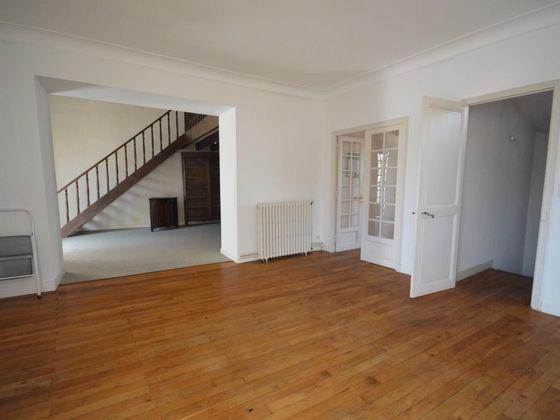 Vente maison 6 pièces 500 m2