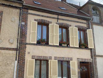 maison à La Ferté-Loupière (89)