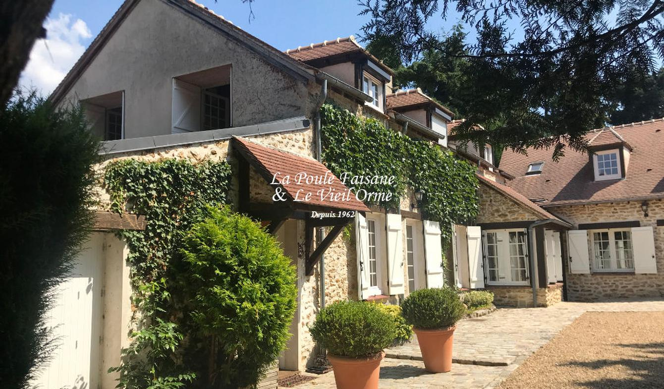Maison avec piscine et terrasse Poigny-la-Forêt