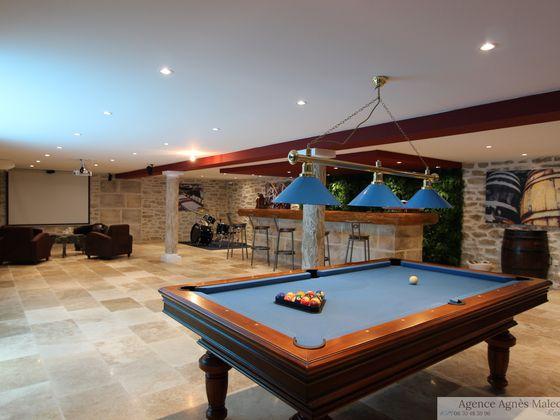 Vente propriété 6 pièces 218 m2