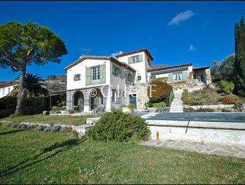villa à Vence (06)