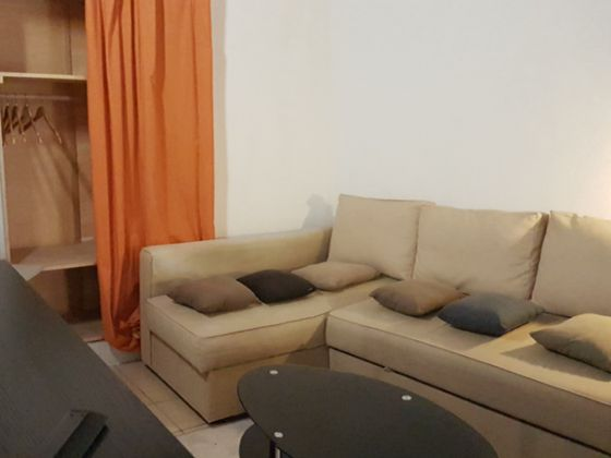 Location studio meublé 24,39 m2