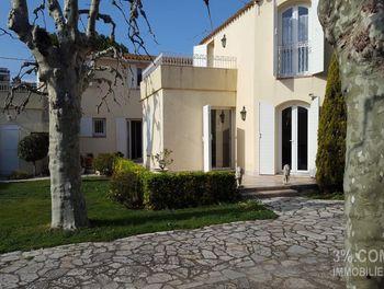 villa à Marseille 8ème (13)