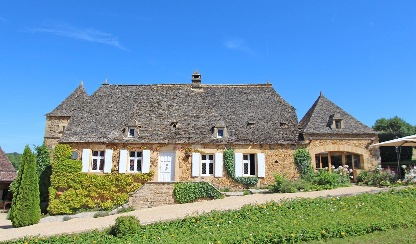 Property with pool La Chapelle-Aubareil