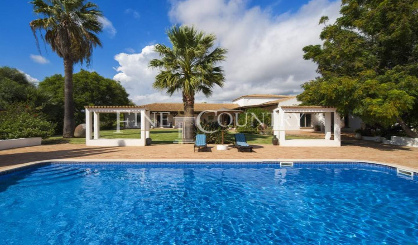 Property with garden Faro District
