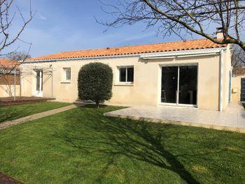 maison à Fontcouverte (17)