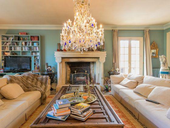 Vente maison 20 pièces 910 m2