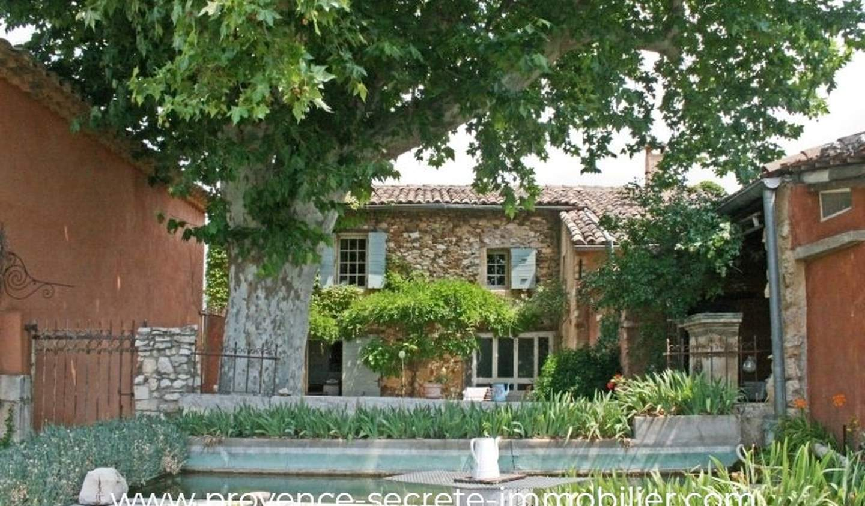 House with pool Villars
