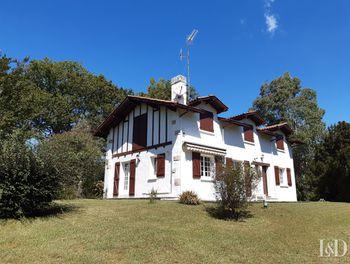 maison à Ascain (64)