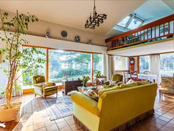Maison 5 pièces 201 m2