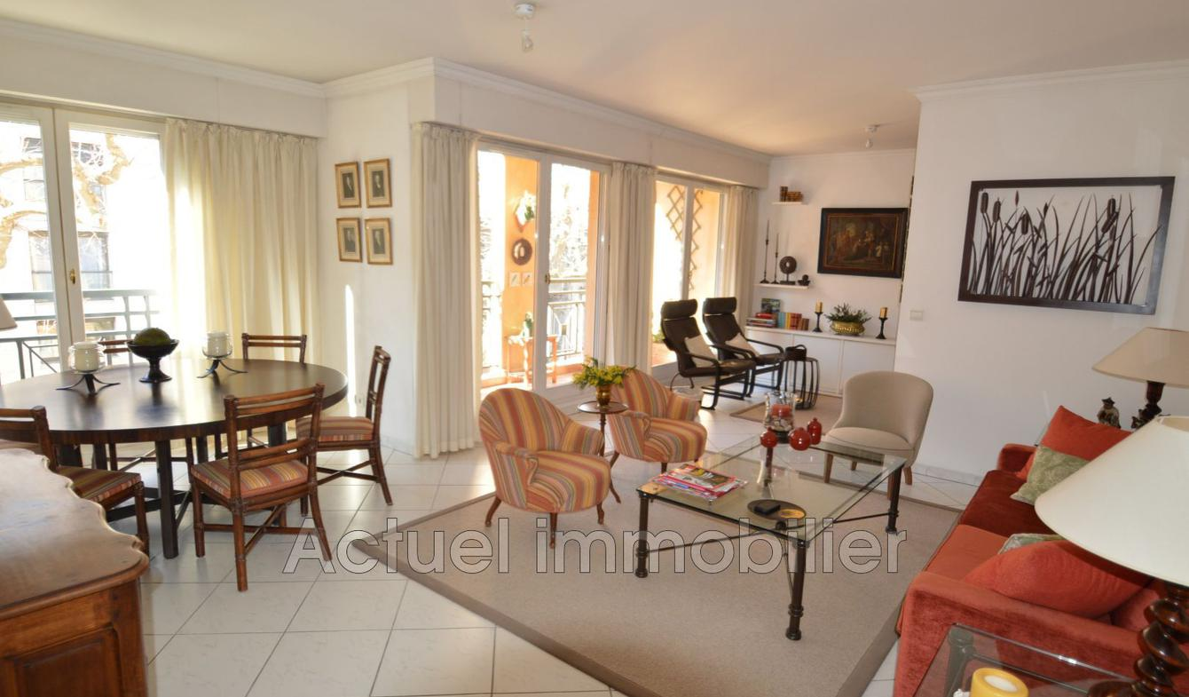 Apartment with terrace Aix-en-Provence