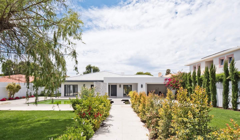 Villa with pool and garden Cascais