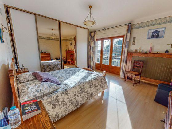 Vente maison 8 pièces 150,75 m2