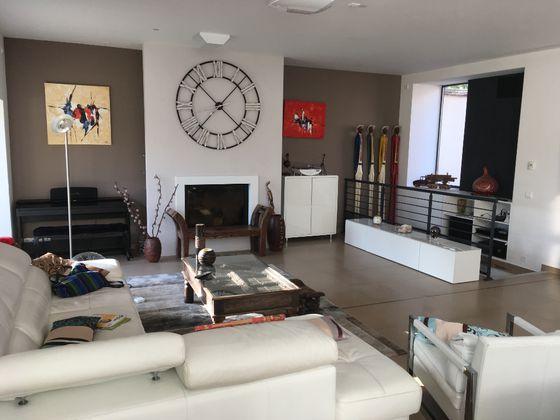 Location maison 8 pièces 270,13 m2