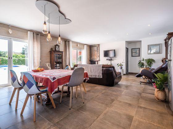 Vente maison 10 pièces 326 m2