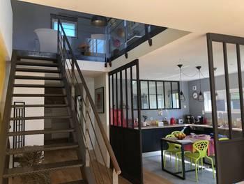 Maison 5 pièces 206 m2