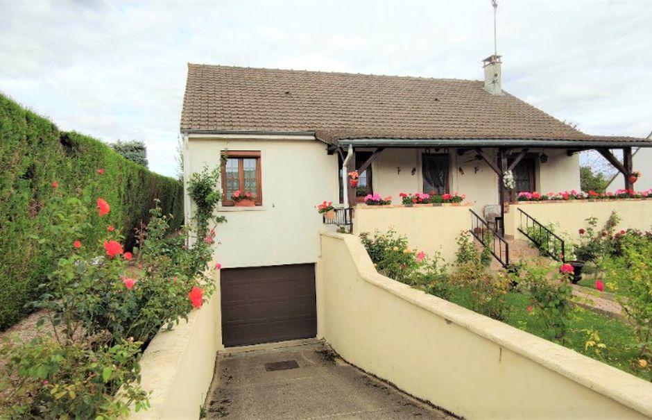 Vente maison 4 pièces 87 m² à Nemours (77140), 182 000 €