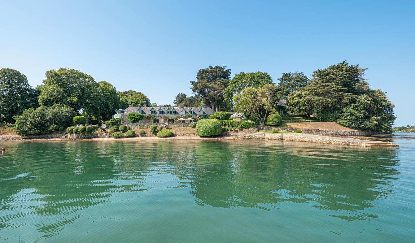 Seaside property and garden Arradon