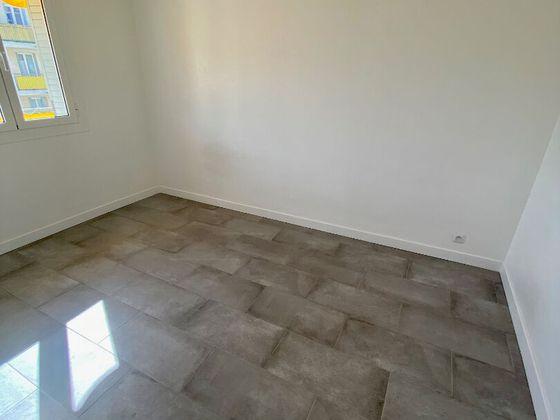 Location appartement 3 pièces 54,59 m2