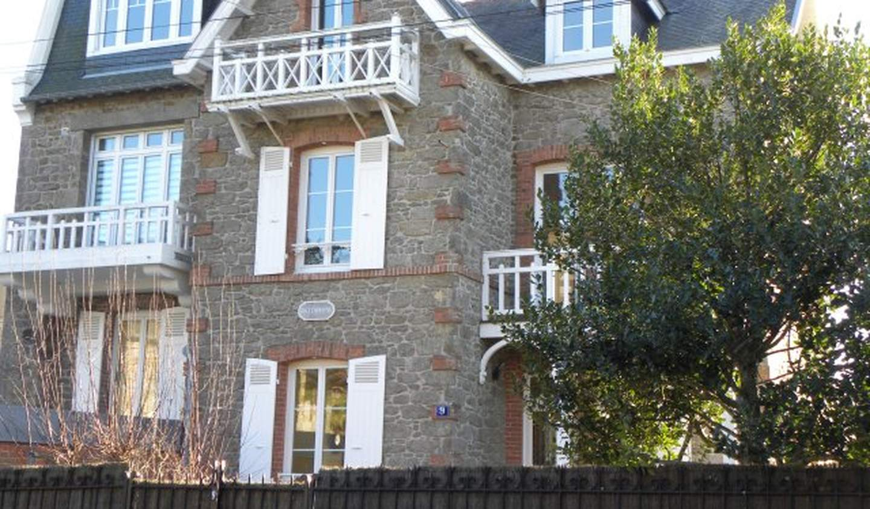 Villa en bord de mer avec jardin Dinard