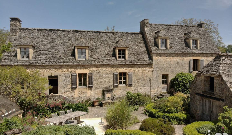 Maison avec piscine et terrasse Montignac